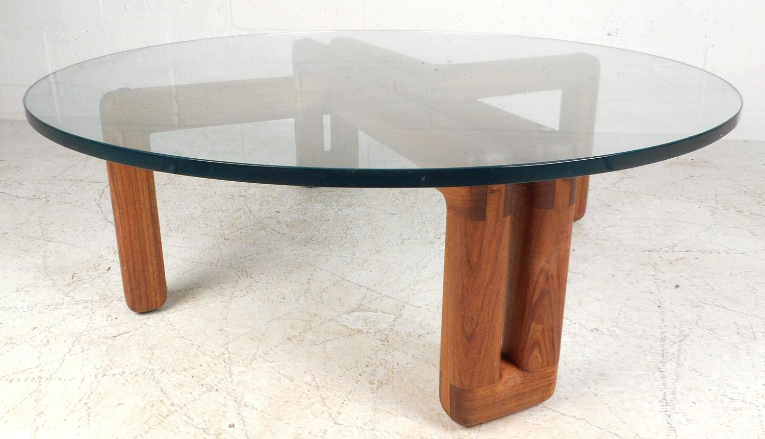 Mid century modern round glass coffee table for sale at for Round glass coffee tables for sale