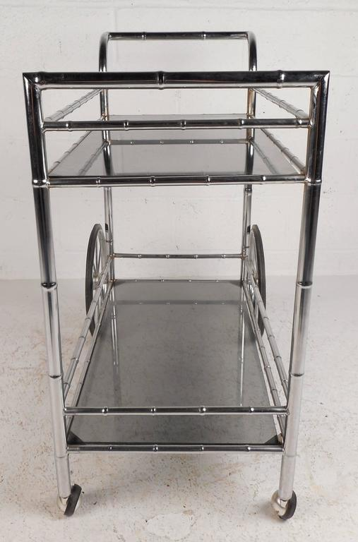 Vintage Modern Bar Cart in Faux Bamboo Finish In Good Condition For Sale In Brooklyn, NY