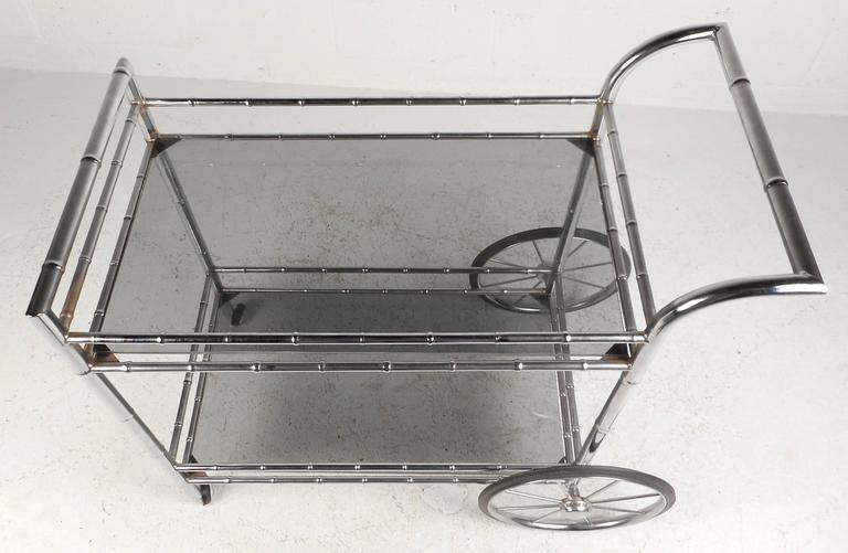 Late 20th Century Vintage Modern Bar Cart in Faux Bamboo Finish For Sale