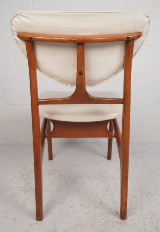 Late 20th Century Set of Mid-Century Modern Teak Dining Chairs in the Style of Finn Juhl For Sale