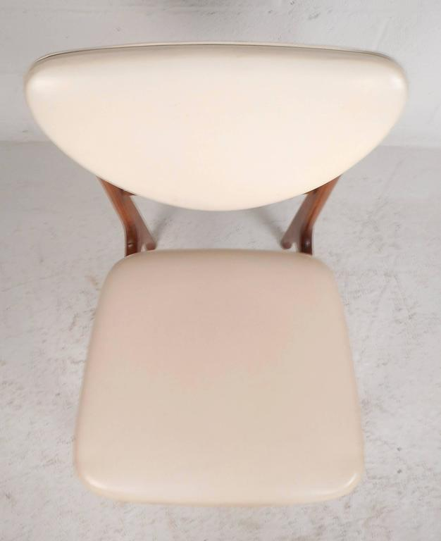 Set of Mid-Century Modern Teak Dining Chairs in the Style of Finn Juhl For Sale 1