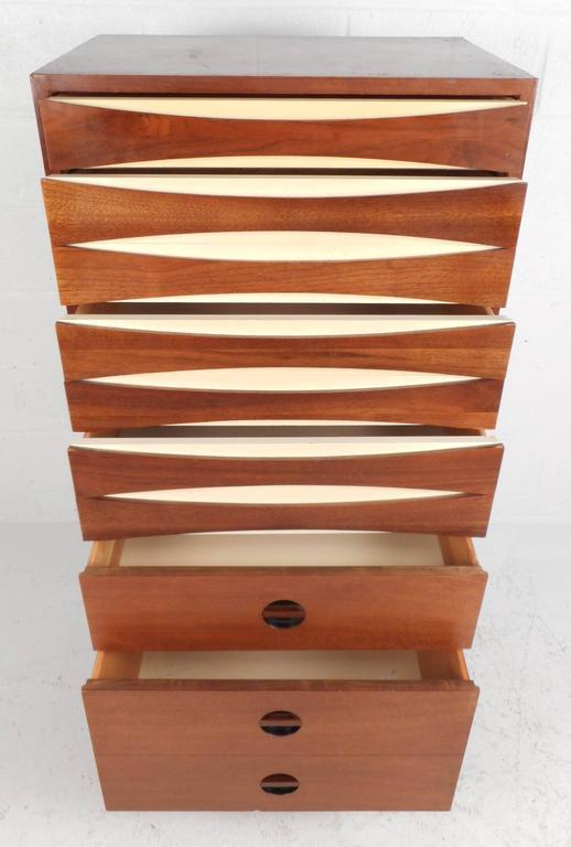 Superieur Danish Mid Century Modern Tall Linen Chest In The Style Of Arne Vodder For  Sale