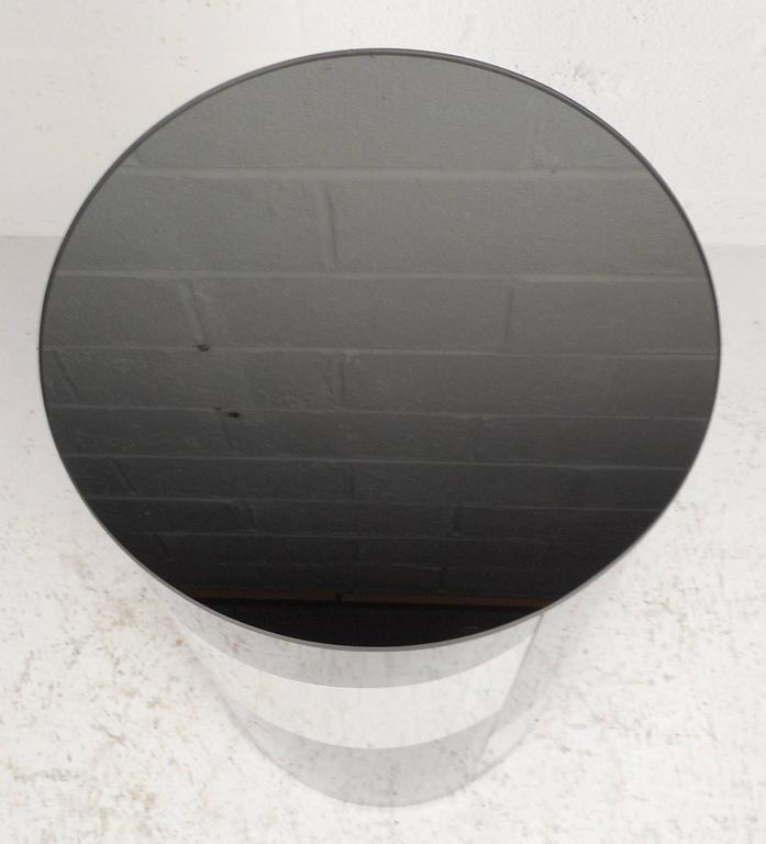 Late 20th Century Mid-Century Modern Chrome and Mirror Pedestal For Sale