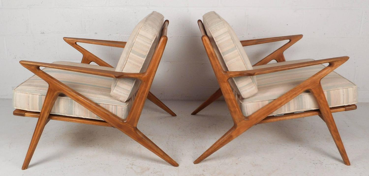 Mid Century Modern Poul Jensen For Selig Z Lounge Chairs For Sale At 1stdibs