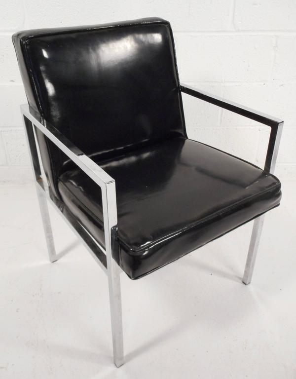 Set of Mid-Century Modern Vinyl and Chrome Dining Chairs In Good Condition For Sale In Brooklyn, NY