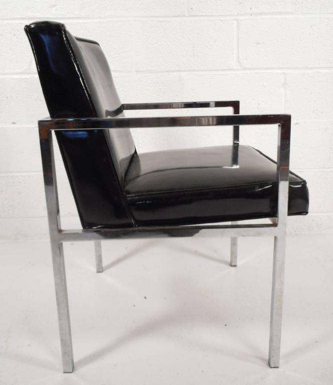 Late 20th Century Set of Mid-Century Modern Vinyl and Chrome Dining Chairs For Sale
