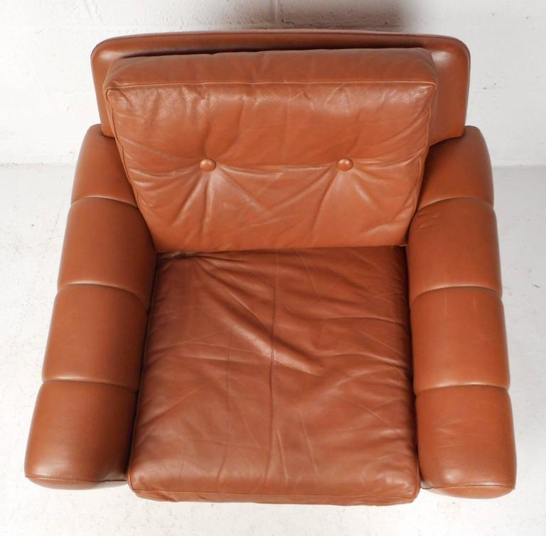 Late 20th Century Mid-Century Modern Danish Leather Lounge Chair For Sale