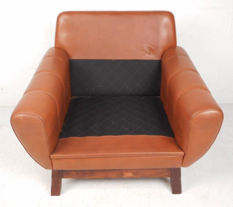 Mid-Century Modern Danish Leather Lounge Chair For Sale 1
