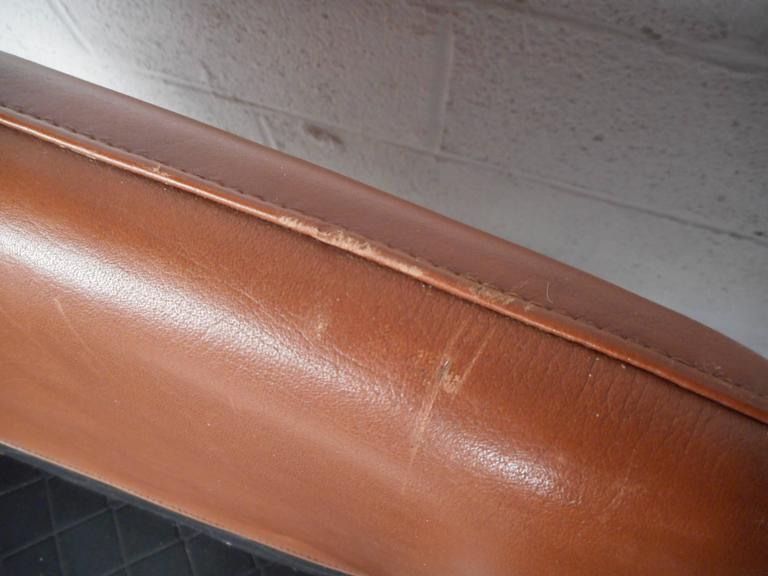 Mid-Century Modern Danish Leather Lounge Chair For Sale 4