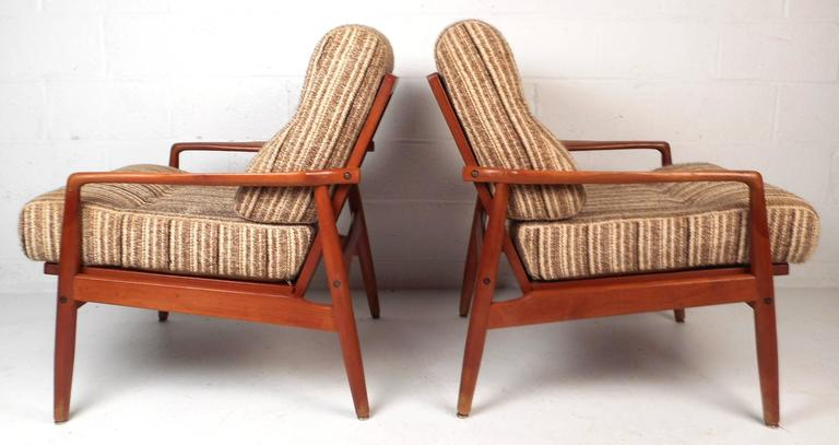 Pair of Mid-Century Modern SL Mobler Danish Teak Lounge Chairs In Good Condition For Sale In Brooklyn, NY