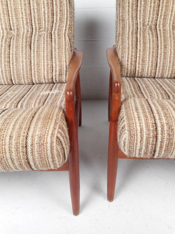 Pair of Mid-Century Modern SL Mobler Danish Teak Lounge Chairs For Sale 1