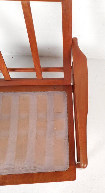 Pair of Mid-Century Modern SL Mobler Danish Teak Lounge Chairs For Sale 2