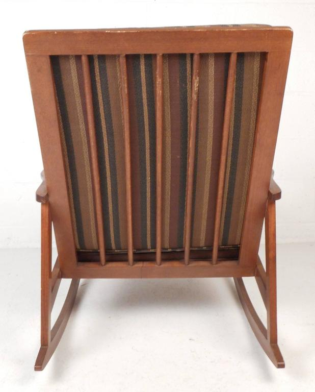 Late 20th Century Mid-Century Modern Rocking Chair For Sale