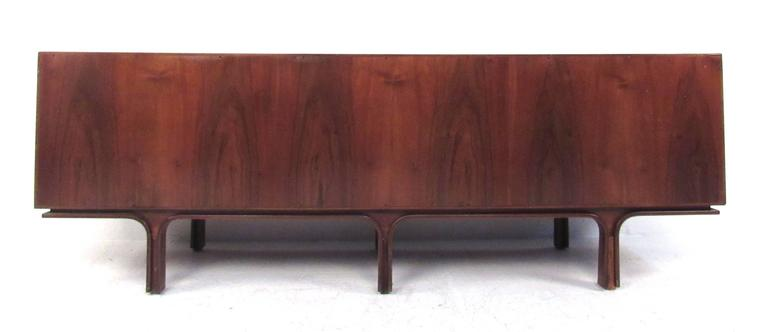 Gianfranco Frattini Mid-Century Sideboard for Bernini In Good Condition For Sale In Brooklyn, NY