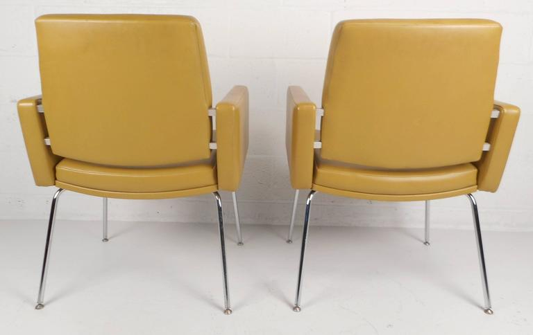Mid-Century Modern Lounge Chairs by J.G. Furniture Company In Good Condition For Sale In Brooklyn, NY