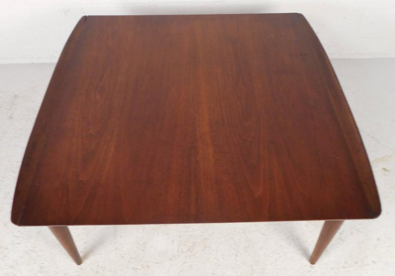Mid-Century Modern Square Walnut Coffee Table by Bassett In Good Condition For Sale In Brooklyn, NY