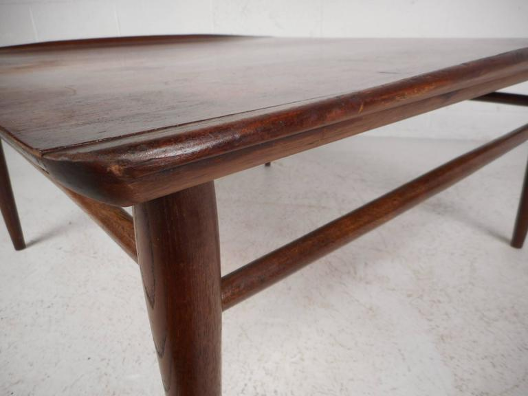 Mid-Century Modern Square Walnut Coffee Table by Bassett For Sale 2