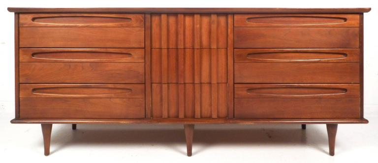 Unique Mid-Century Modern Bedroom Set by American of Martinsville In Good Condition For Sale In Brooklyn, NY