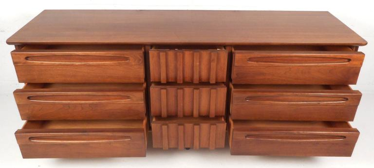 Late 20th Century Unique Mid-Century Modern Bedroom Set by American of Martinsville For Sale
