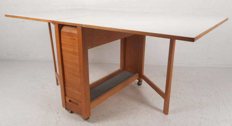 Mid Century Modern Compact Drop Leaf Dining Table With Chairs In Good Condition For