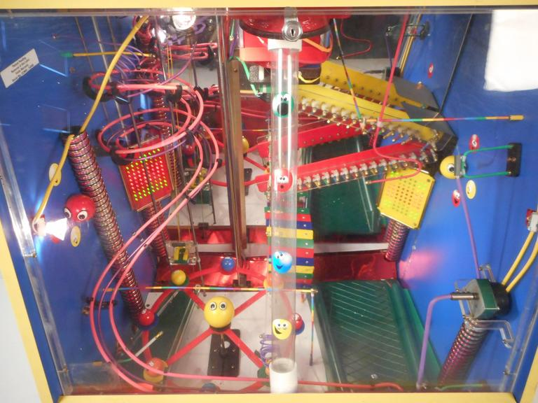 Machine Ball Factory Toy : Mid century modern kinetic gum ball machine quot waldo s fun