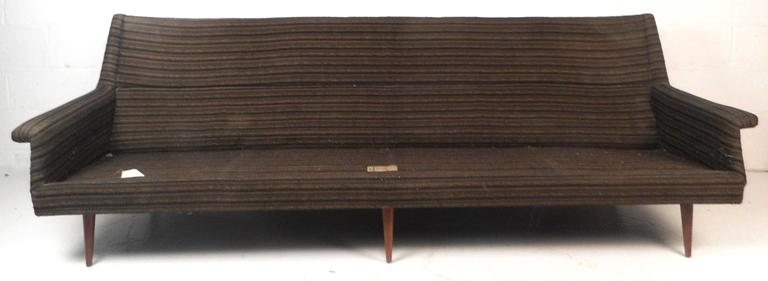 Mid-Century Modern Sofa by Milo Baughman for Thayer Coggin In Good Condition For Sale In Brooklyn, NY