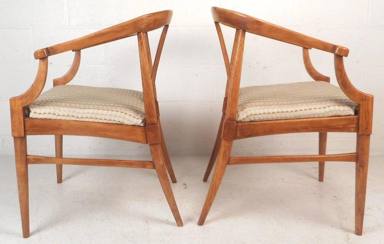 Pair of Mid-Century Modern Side Chairs In Good Condition For Sale In Brooklyn, NY