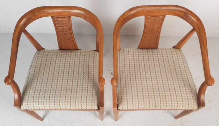 Late 20th Century Pair of Mid-Century Modern Side Chairs For Sale