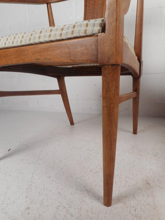 Pair of Mid-Century Modern Side Chairs For Sale 2
