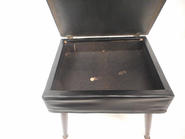 Mid-Century Modern Valet Butler Chair For Sale 1