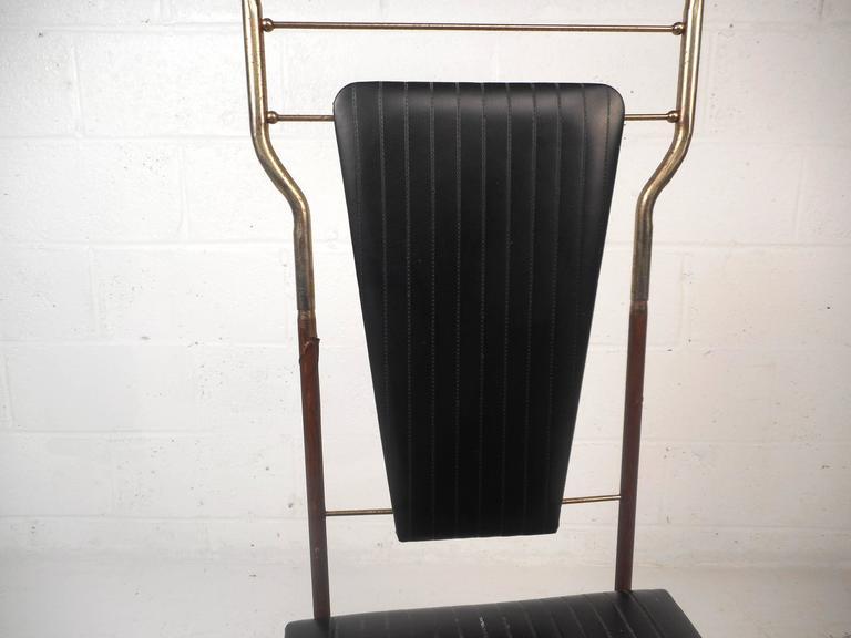 Mid-Century Modern Valet Butler Chair For Sale 2
