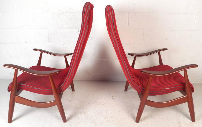 Pair of Mid-Century Modern High Back Walnut Lounge Chairs In Good Condition For Sale In Brooklyn, NY