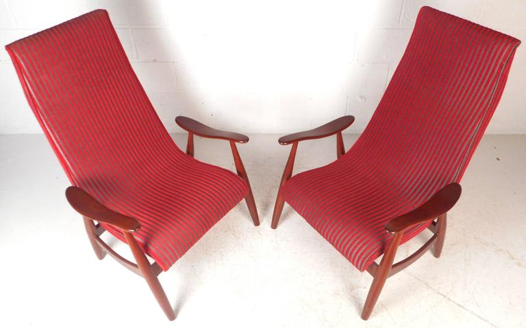 Late 20th Century Pair of Mid-Century Modern High Back Walnut Lounge Chairs For Sale