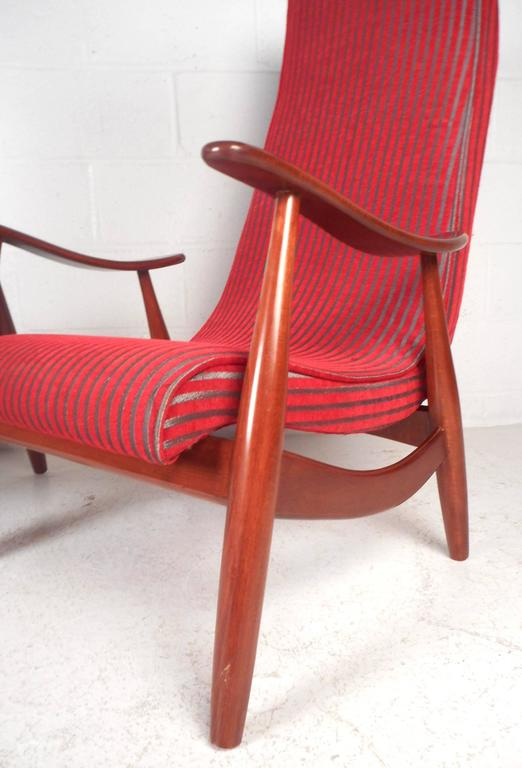 Pair of Mid-Century Modern High Back Walnut Lounge Chairs For Sale 3