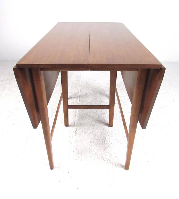 Drop-Leaf Dining Table by Paul McCobb for Winchendon 2