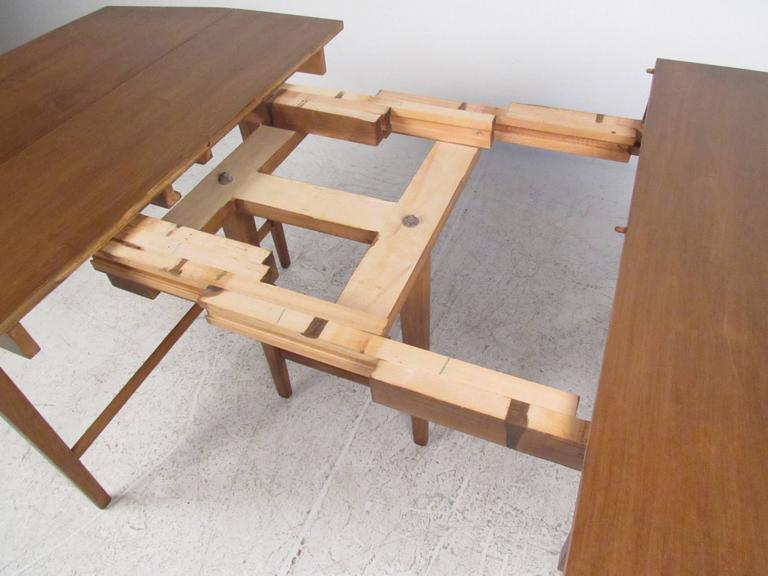 Drop-Leaf Dining Table by Paul McCobb for Winchendon 7