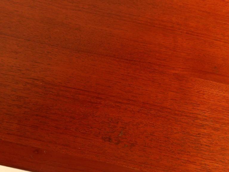 Mid-Century Modern Teak Draw-Leaf Dining Table For Sale 2