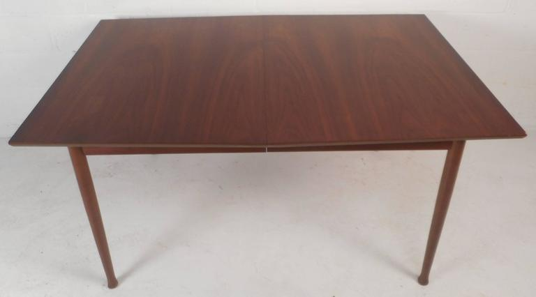 Mid-Century Modern Walnut Dining Table with Rosewood Accents In Good Condition For Sale In Brooklyn, NY
