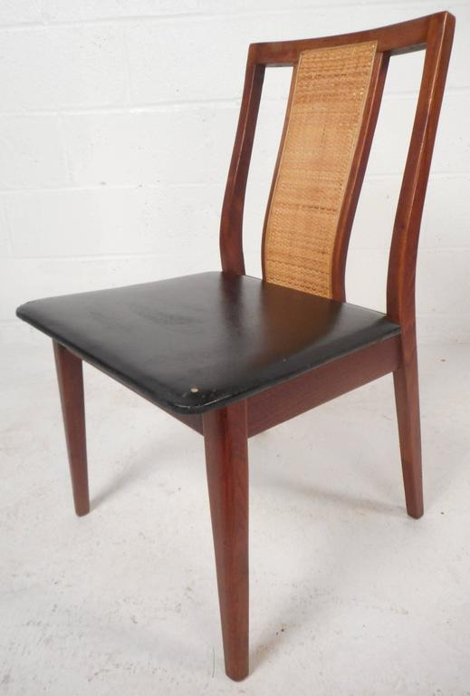 Set of Six Mid-Century Modern Dining Chairs in the Style of Edward Wormley In Good Condition For Sale In Brooklyn, NY