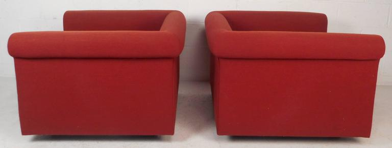 Contemporary Modern Lounge Chairs In Good Condition For Sale In Brooklyn, NY