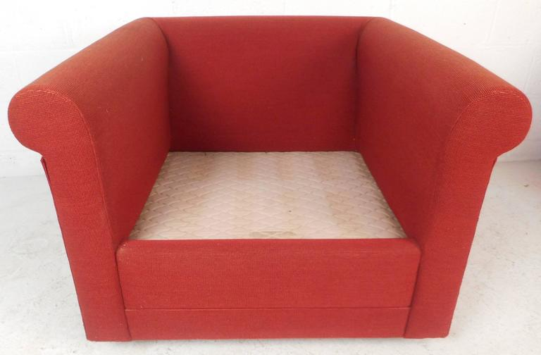 Upholstery Contemporary Modern Lounge Chairs For Sale