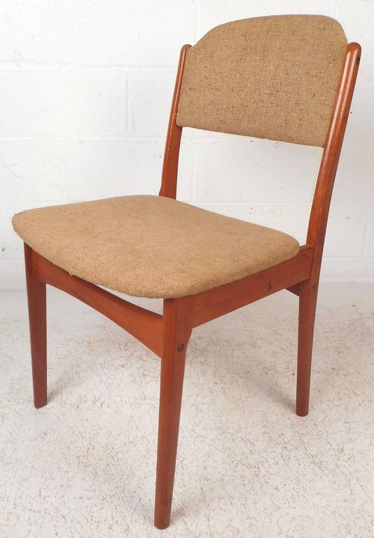 Set of Six Mid-Century Modern Danish Teak Dining Chairs In Good Condition For Sale In Brooklyn, NY