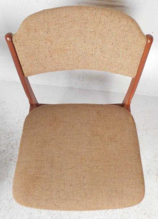Set of Six Mid-Century Modern Danish Teak Dining Chairs For Sale 2