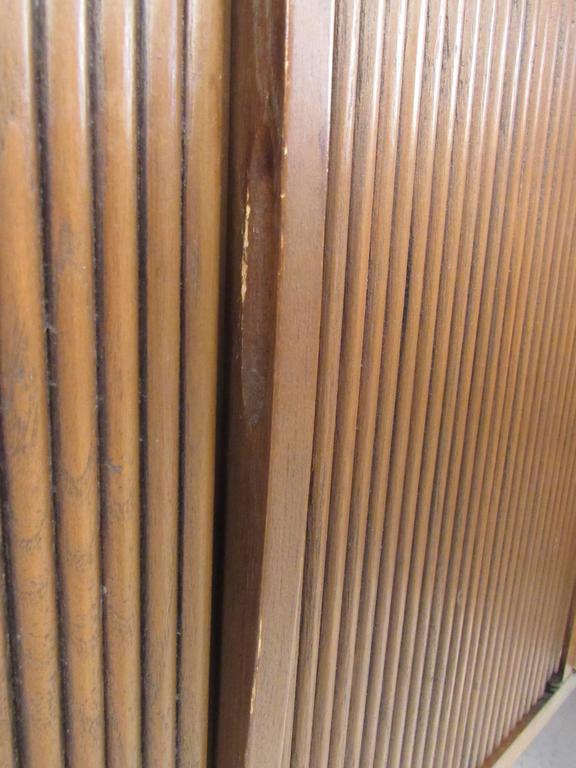 Mid-Century Walnut Dresser by Lane For Sale 3