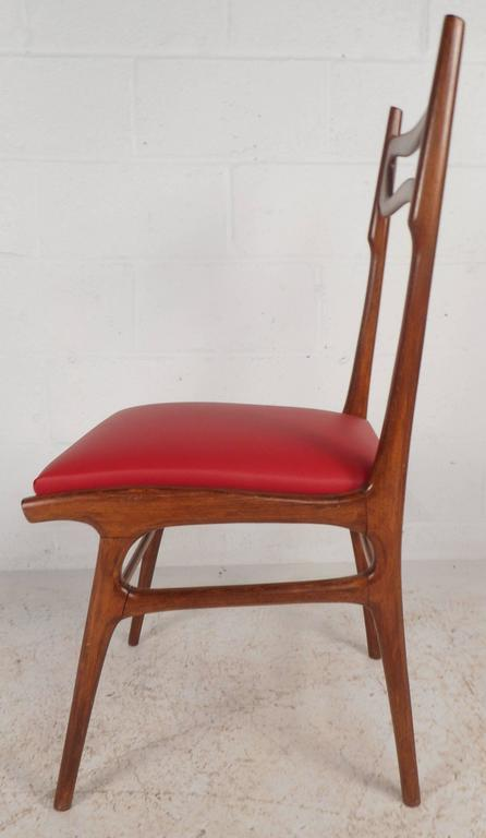Late 20th Century Set of Mid-Century Modern Italian Dining Chairs For Sale