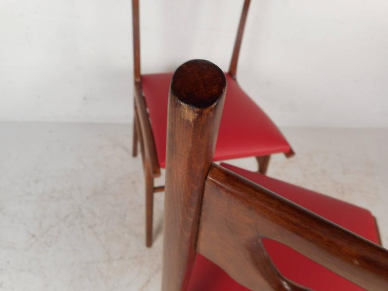 Set of Mid-Century Modern Italian Dining Chairs For Sale 3