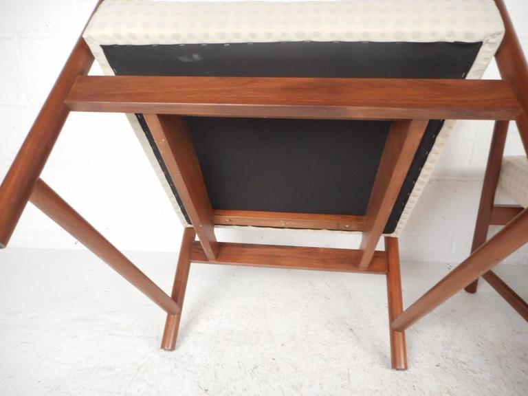 Mid-Century Modern Armchairs For Sale 3
