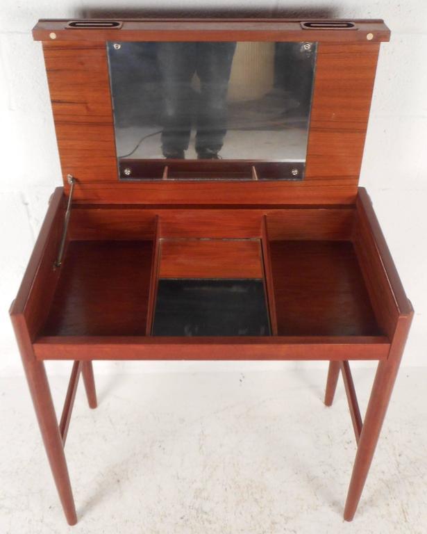 Mid-Century Modern Danish Teak Vanity For Sale 2