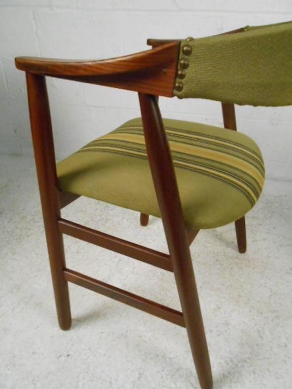 Set of Six Danish Modern Dining Chairs in the style of Kai Kristiansen 4