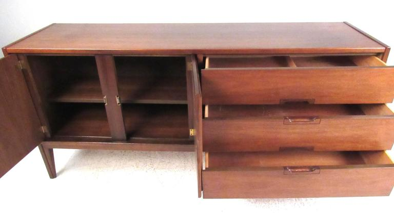 Mid-Century Modern United Furniture Corporation Mid-Century Walnut Credenza For Sale